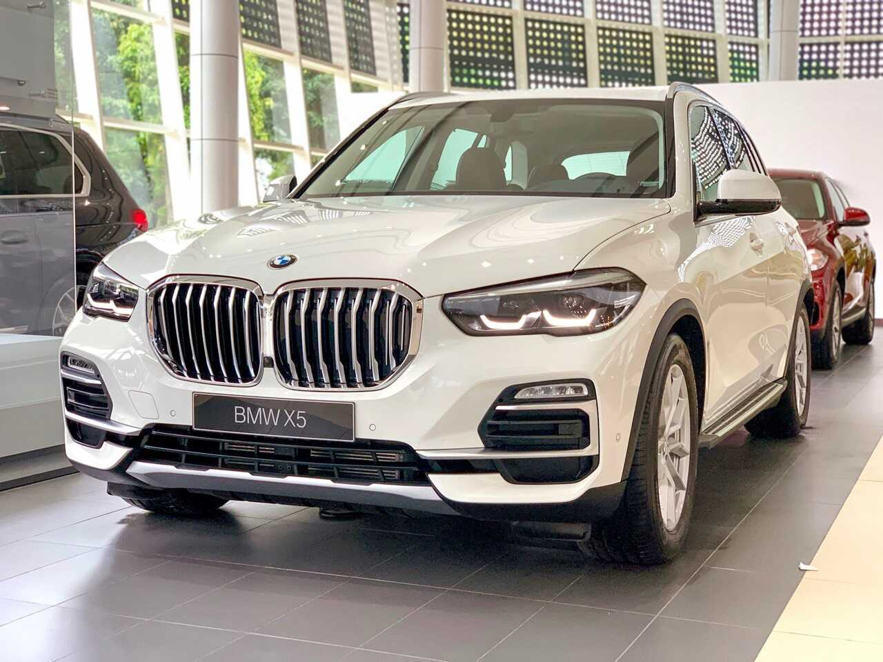Ngoại thất BMW X5 xDrive40i xLine 2021