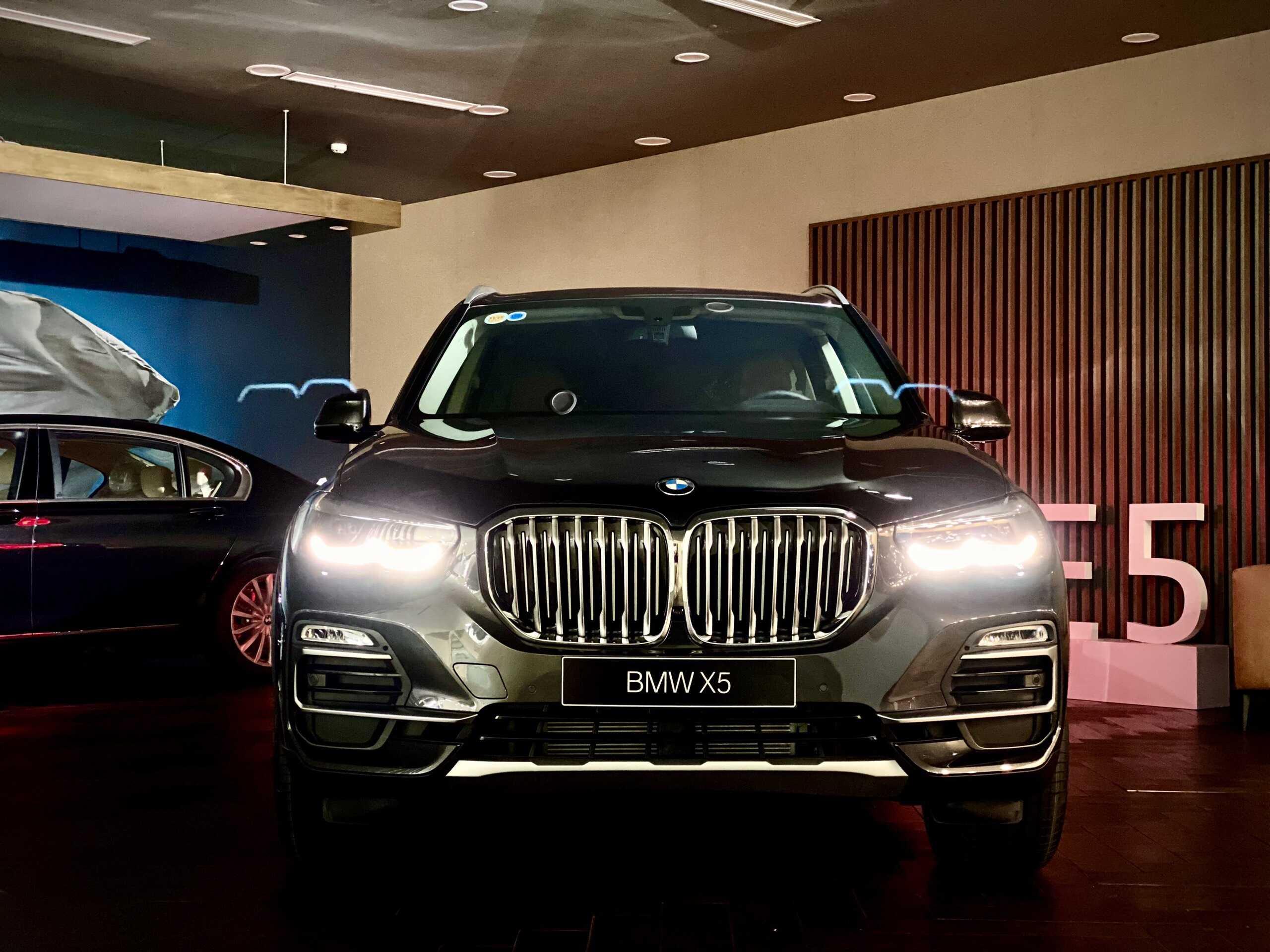 Hệ thống đèn pha Led BMW.