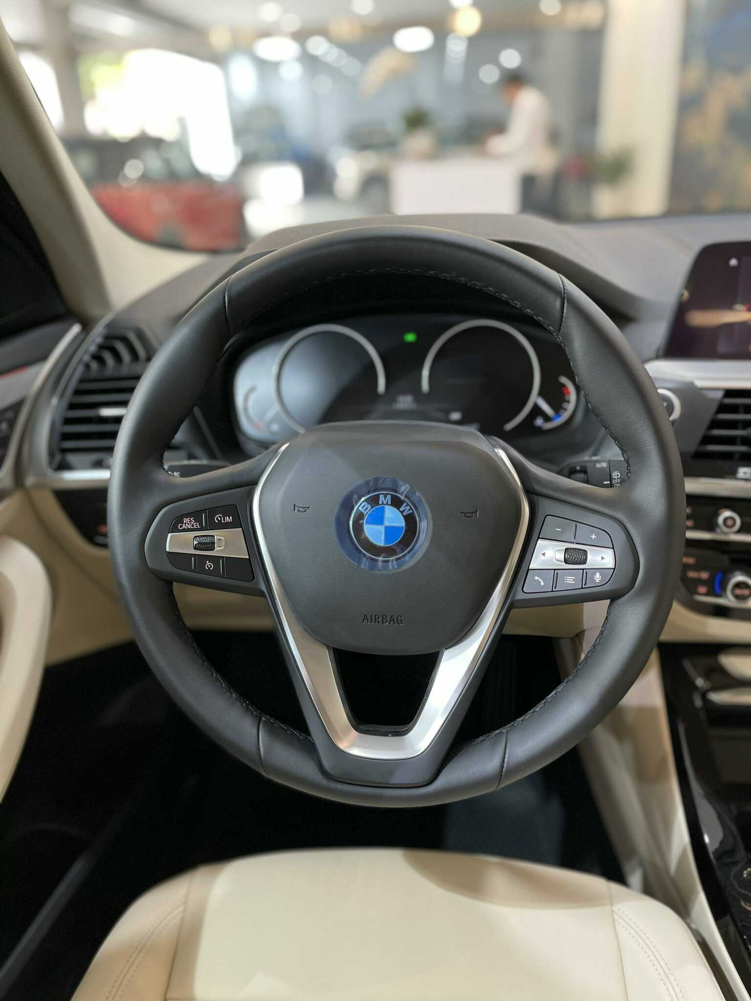 Vô lăng BMW X3 xDrive 2021.